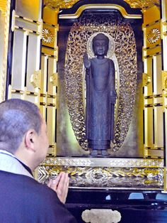 This ancient Buddha statue will be exhibited to the public for the first time in about a century at Jofukuji temple in Kyoto. (Tomoyoshi Kubo)  The Sendan Zuizo Shakamuni Butsu Zo (Chinaberry statue of Sakyamuni Buddha) was sculpted during the Kamakura Period (1192-1333) in imitation of the standing statue of Shaka Nyorai (Sakyamuni Tathagata) Buddha at Kyoto's Seiryoji temple, a national treasure carved from wood in China in 985.