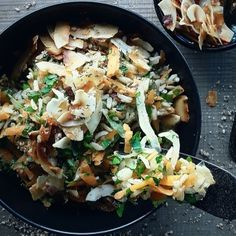 Basmati frito con chucrut y chips de coco