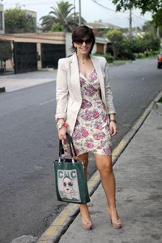 Divina Ejecutiva: Mis Looks - El vestido de flores