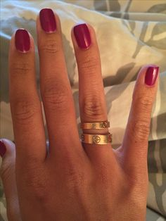 TOP New post cartier love ring kourtney kardashian visit wedbridal. Cartier Love Ring, Cartier Jewelry, Cartier Rings, Cartier Love Wedding Band, Cartier Gold, Cute Jewelry, Gold Jewelry, Jewelry Accessories, Sapphire Jewelry