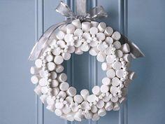 vánoční věnec korek bílý