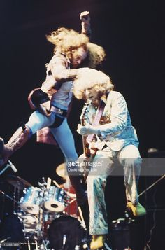 singer-ian-anderson-and-guitarist-martin-barre-of-jethro-tull-during-picture-id112687866 (676×1024)