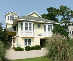 Corolla... 4 br - 2 kings, 4 doubles, awesome pool right on the sound w/dock ... 5700.   Soundfront Outer Banks Rentals | Monteray Shores Rentals | Sound Decision