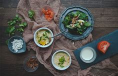 Call me old-fashioned, but I love cooking meals for my boyfriend and me. But, since both of us are junior lawyers, the weekends are the only consistent time that we enjoy home-cooked food. One of my favorite go-torecipes is this easy breakfast—eggs en cocotte, or baked eggs. There's much to