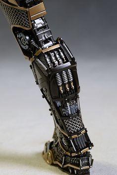 Iron Man Bones action figure by Hot Toys Robot Concept Art, Armor Concept, Weapon Concept Art, Iron Man Suit, Iron Man Armor, Blade Runner, Armadura Ninja, Armadura Cosplay, Akali League Of Legends