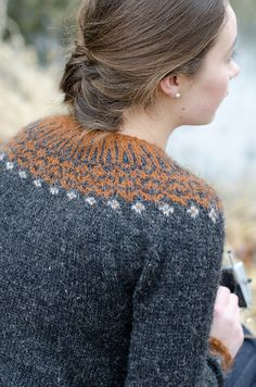 Top-down Icelandic Sweater by Ragnheiður Eiríksdóttir This amazing hand knit sweater pattern is available via Ravelry. Fair Isle Knitting, Knitting Yarn, Hand Knitting, Ravelry, Top Down, Icelandic Sweaters, Fair Isle Pattern, Hand Knitted Sweaters, How To Purl Knit