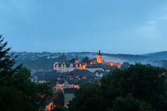Blick auf das Schloss und die Altstadt von Weilburg