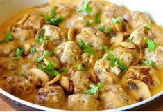 zadanie - gotowanie: Klopsiki w sosie pieczarkowym. Kung Pao Chicken, Potato Salad, Recipies, Food And Drink, Potatoes, Meat, Ethnic Recipes, Recipes, Rezepte