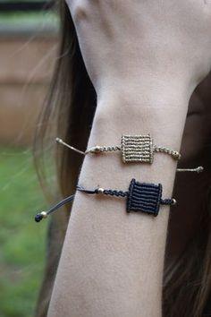 Best friend bracelet – dainty square bracelet – simple bracelet – geometric knotted bracelet – handmade bracelet Little square macrame bracelet minimal style geometric Bracelets Bleus, Kids Bracelets, Simple Bracelets, Handmade Bracelets, Friendship Bracelets, Macrame Jewelry, Fabric Jewelry, Macrame Bracelets, Bracelet Knots