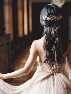 half up half down wedding hairstyle with gold leafs headpiece