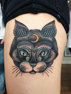 This Stunning Neo-traditional Cat Tattoo was Tattooed by Lauren
