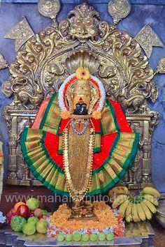 Durga Maa, Shiva Shakti, Flower Decoration For Ganpati, Ganapati Decoration, Hindu Statues, Swami Samarth, Lord Krishna Wallpapers, Digital Art Fantasy, Goddess Lakshmi