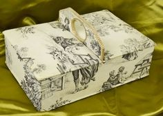 B711 - Superb Antique French Toile De Jouy Boudoir / Sewing Box With Handle. C1920
