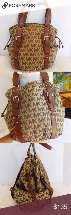 """MICHAEL KORS MONOGRAM JACQUARD EXTRA LARGE TOTE TITLE- MICHAEL KORS MONOGRAM JACQUARD EXTRA LARGE TOTE BROWN  BRAND- MICHAEL KORS  COLOR- BROWN  MATERIAL- JACQUARD/LEATHER  STYLE- TOTE   SIZE- 17"""" length, 14"""" height, 6"""" width, 9"""" strap drop  FEATURES- OUTSIDE- 2 LARGE SIDE POCKETS, LEATHER TRIM DETAILS, BRASS TONE HARDWARE.  INSIDE- 2 LARGE OPEN COMPARTMENT, 1 LARGE ZIP COMPARTMENT,2 SLIP POCKETS  CONDITION- PRE-OWNED GOOD, VERY LITTLE SIGNS OF WEAR, VERY MINOR RUBBING.  Bin- PB 1 Michael…"""