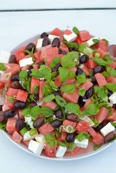 food_drink - FetaVe­si­me­lo­ni­sa­laat­ti Raw Food Recipes, Salad Recipes, Vegetarian Recipes, Healthy Recipes, Healthy Meals, Healthy Food, Ayurvedic Recipes, Watermelon Salad, Catering Food