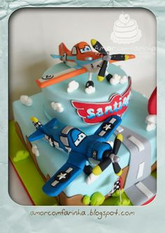 Love with flour cakes decorated Big Cakes, Sweet Cakes, Cute Cakes, Fondant Cakes, Cupcake Cakes, Planes Birthday Cake, Different Types Of Cakes, Ocean Cakes, Foundant