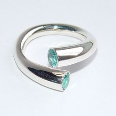 Wiggly open ended ring | Contemporary Rings by contemporary jewellery designer Paul Finch