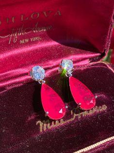 Emerald Earrings, Drop Earrings, Jewelry Design, Unique Jewelry, Neon Jewelry, Women's Jewelry, Columbian Emeralds, July Birthstone, Carmen Sandiego
