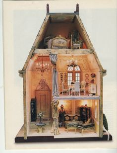 Excellent example to mimick Victorian Dolls, Victorian Dollhouse, Antique Dolls, Vintage Dolls, Victorian Houses, Haunted Dollhouse, Dollhouse Dolls, Miniature Rooms, Miniature Houses