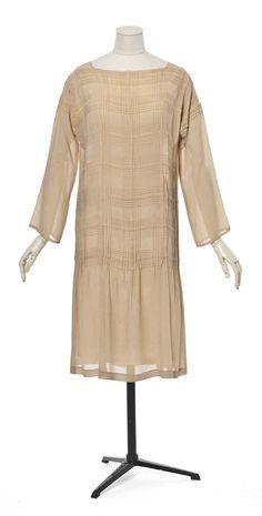 Dress, by Madeleine Vionnet, 1928. Les Arts Décoratifs, Paris.