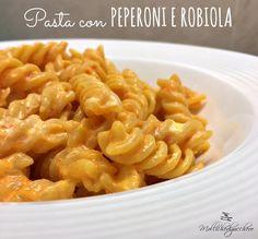 La pasta con peperoni e robiola è un primo piatto facile e veloce, perfetto da preparare quando abbiamo voglia di qualcosa di delicato e saporito, senza ...