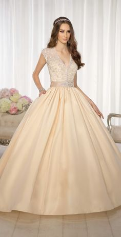 Fit for a queen ~ Essense of Australia Fall 2014 | bellethemagazine.com