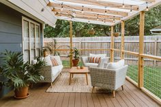 10 Outdoor Lighting Ideas to Set the Summer Mood Small Patio Design, Small Backyard Patio, Backyard Patio Designs, Backyard Seating, Balcony Design, Garden Design, Diy Patio, Modern Patio Design, Desert Backyard