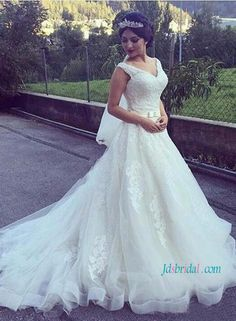 Strappy v neck lace princess ball gown wedding dress