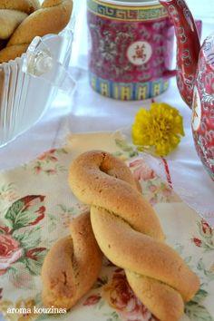 Vet Cake, Pastry Cake, Bagel, Food And Drink, Bread, Vegan, Cookies, Breakfast, Desserts