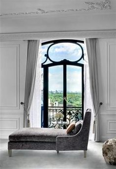 i would curl up with my kindle on this chaise lounge at the dior suite, plus central park views, saves the air fare to paris Art Nouveau Arquitectura, Style Deco, Living Spaces, Living Room, Cozy Living, Beautiful Space, Beautiful Images, Beautiful Things, Interior Design Inspiration