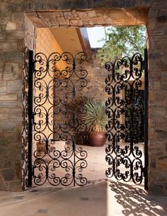 Old California and Spanish Revival Style - beautiful wrought iron gate Hacienda Style Homes, Spanish Style Homes, Spanish House, Spanish Revival Home, Spanish Colonial, Boho Glam Home, Wrought Iron Decor, Wrought Iron Gates, Mexican Hacienda