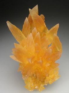 Amber calcite