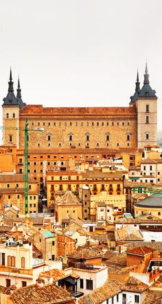 Toledo, na província de Toledo, Comunidade Autónoma de Castilla-La Mancha, Espanha.  Fotografia: Botond Horvath via Shutterstock.
