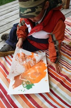 Smooshing Pumpkins - a fun paint technique for kids