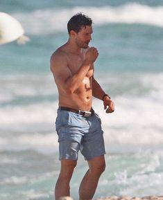 Jamie Dornan, Christian Grey, Estilo Dakota Johnson, Mr Men, Hottest Male Celebrities, Celebs, Shirtless Men, Fifty Shades Of Grey, Chris Hemsworth