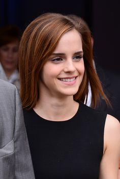 "Emma Watson leaving ""The Bling Ring"" press conference. J'aime ses cheveux!"