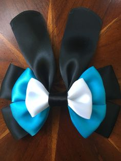 Disney's Oswald the Lucky Rabbit. Handmade by #missmbowtique @missmbowtique