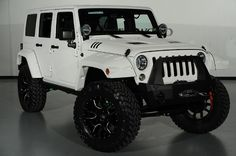2014 Jeep Wrangler Unlimited in White Kevlar: Custom Fender Flares and Lights Suv 4x4, Jeep Suv, Jeep Cars, Jeep Truck, 2014 Jeep Wrangler, Jeep Wrangler Unlimited, Jeep Fenders, White Jeep, Dodge Power Wagon