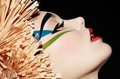 PhotoVogue portfolio di Blank Julia. Love the geometry mixed with soft.