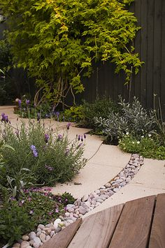 The Small Chic Garden by Earth Designs. via Flickr - nice detail