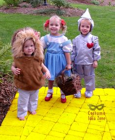 Wizard of Oz kids costumes - homemade and adorable! From the Costume Idea Zone.