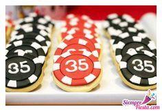 Hermosas ideas para fiesta con temática de Casino. Encuentra los accesorios para tu fiesta en http://www.siemprefiesta.com/celebraciones-especiales/fiestas-para-adultos/fiesta-casino.html?utm_source=Pinterest&utm_medium=Pin&utm_campaign=Casino