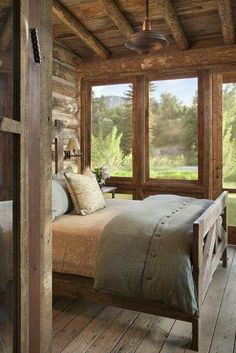 Rustic bedroom with beautiful views - Traumhaus - Home Sweet Home Cabin Homes, Log Homes, Home Bedroom, Bedroom Decor, Dream Bedroom, Wooden Bedroom, Peaceful Bedroom, Rustic Bedrooms, Master Bedroom