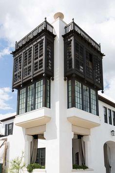 Dreaming of a riad by the ocean? Villa Design, Facade Design, Exterior Design, House Design, Historical Architecture, Architecture Plan, Beautiful Architecture, Morrocan Architecture, Urban Design Plan