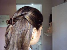 Penteado simples com presilha