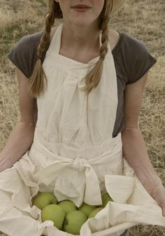 Ruffled apron.....so going to start using them.. in the garden..and cooking <3