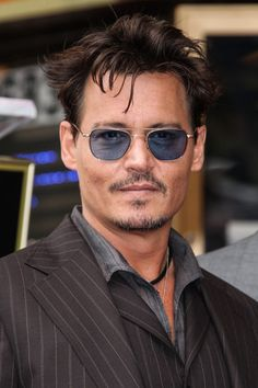 Johnny Depp Aviator Sunglasses - Aviator Sunglasses Lookbook (Men) - StyleBistro