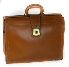 TANNER'S COUNCIL OF AMERICA TOP GRAIN LEATHER BRIEFCASE LAWYERS CREST LOCK BAG #TannersCouncilofAmerica #BriefcaseAttache