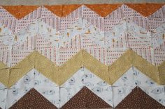 zig zag tutorial. from: http://filminthefridge.com/2008/09/29/a-fall-colored-zig-zag-quilt/