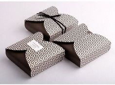 Cake Packaging, Japanese Style, Package Design, Diy And Crafts, Commercial, Wraps, Boxes, Packing, Gift Wrapping